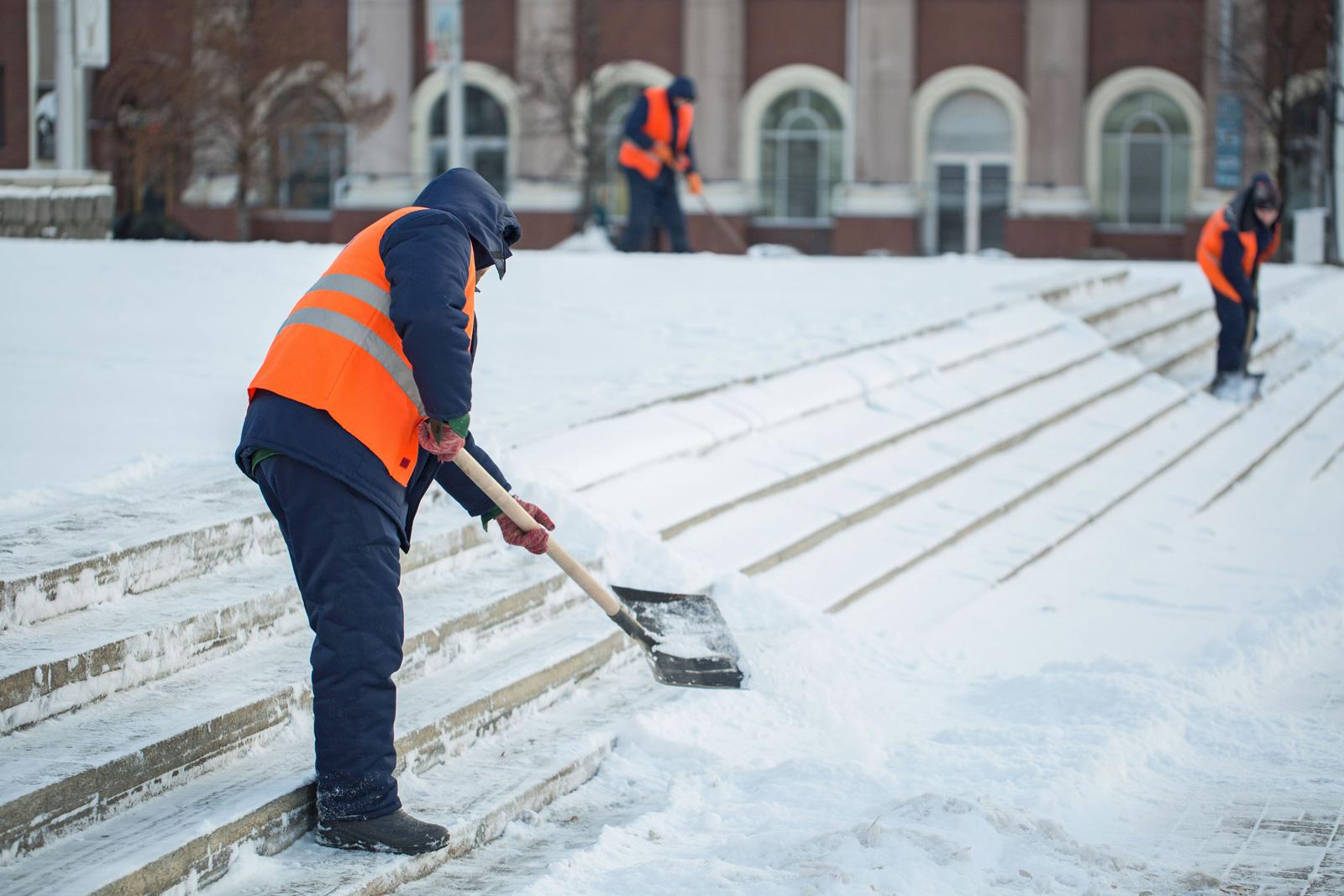 Уборка снега вручную картинки прикольные